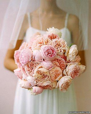 Цветок в лоскутном шитье